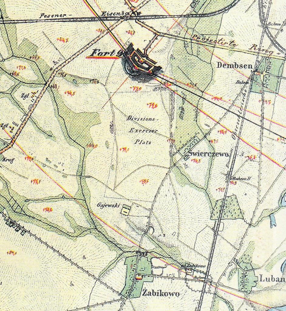 1860 r. źródło: http://www.walkowiak.pl/Poznan_mapy/ 4 lata po otwarciu linii kolejowej do Wrocławia, która wyznaczała wschodnią granicę Świerczewa. Zaczęto budowę systemu umocnień dookoła Poznania, składającego się z fortów i współdziałających z nimi bunkrów obronnych piechoty. Wtedy właśnie wzniesiono w rejonie obecnej ul. Głazowej fort IX: współpracujący z nim fort IX a znajdował się na Dębcu, przy trakcie kolejowym, na południe od dzisiejszego Kościoła św. Trójcy. Pomiędzy nimi stały jeszcze dwa bunkry piechotne. Pozostałości jednego z nich znajdują się dziś jeszcze na skrzyżowaniu ul. Kołłątaja i Rejewskiego. Drugi, z wymierzonymi ku Luboniowi karabinami, usytuowany był nieopodal skrzyżowania dzisiejszej ul. Opolskiej i Jarzębowej. Jego ruiny można było oglądać jeszcze kilkanaście lat temu: dziś, zasypane ziemią tworzą tajemniczy dla niezorientowanych pagórek za przychodnią zdrowia przy ul. Opolskiej.